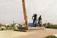 Памятник женщинам строителям железнодорожной ветки Старый Оскол - Ржава