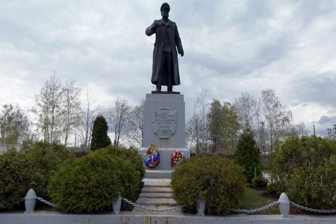 Памятник Ватутину Н.Ф.